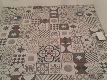 Presentationsbild för referensen Konradssons kakel mönster badrum